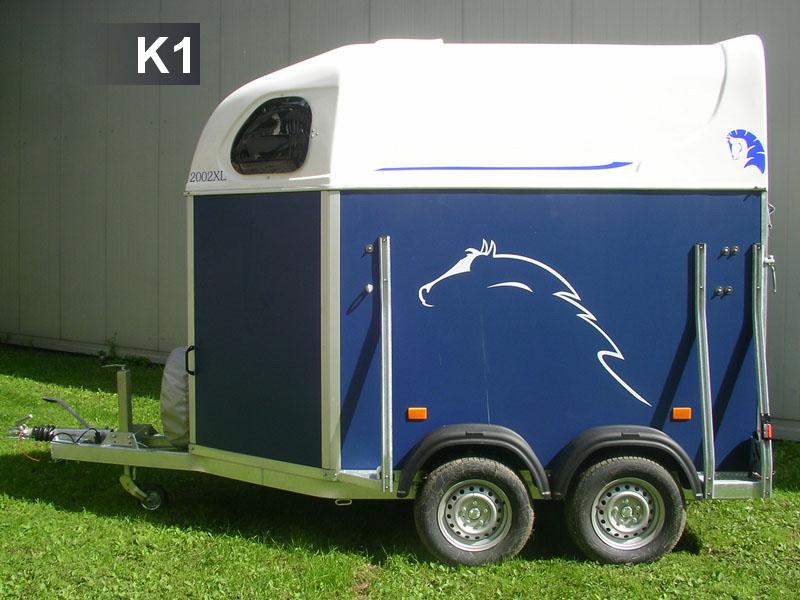 K1 do przewozu 2 koniWymiary: 300 x162 x 200cm ładowność :1300kg (DMC 2000kg)Cena 95zł doba do 4 godzi. 55zł.